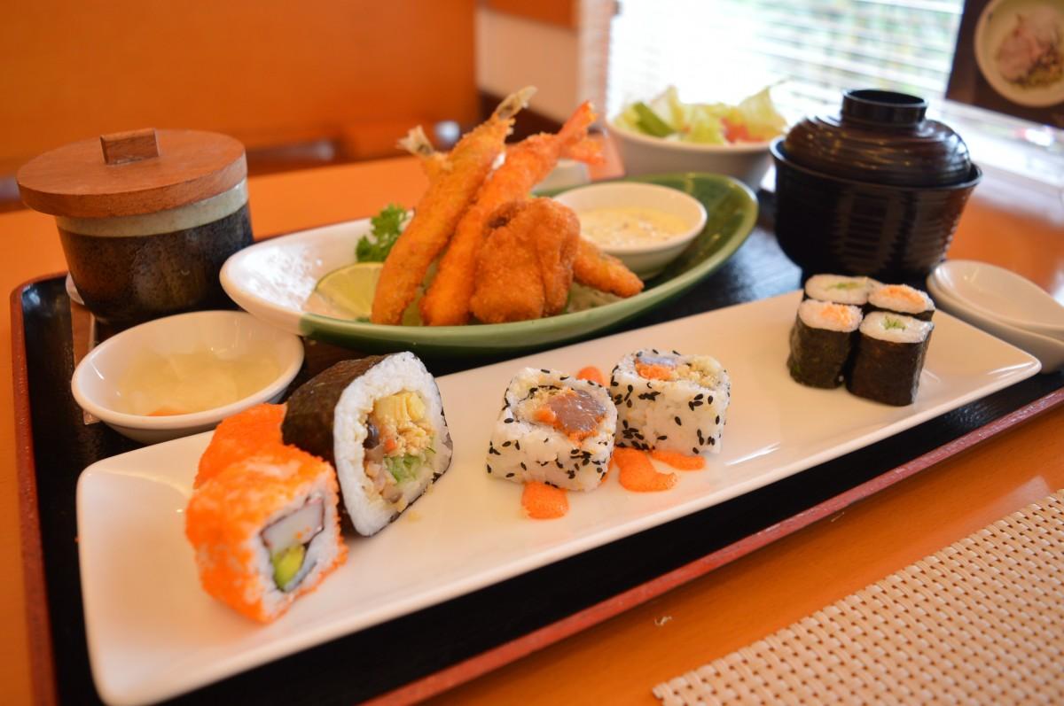 Images gratuites restaurant plat repas aliments le for Poisson japonais nourriture