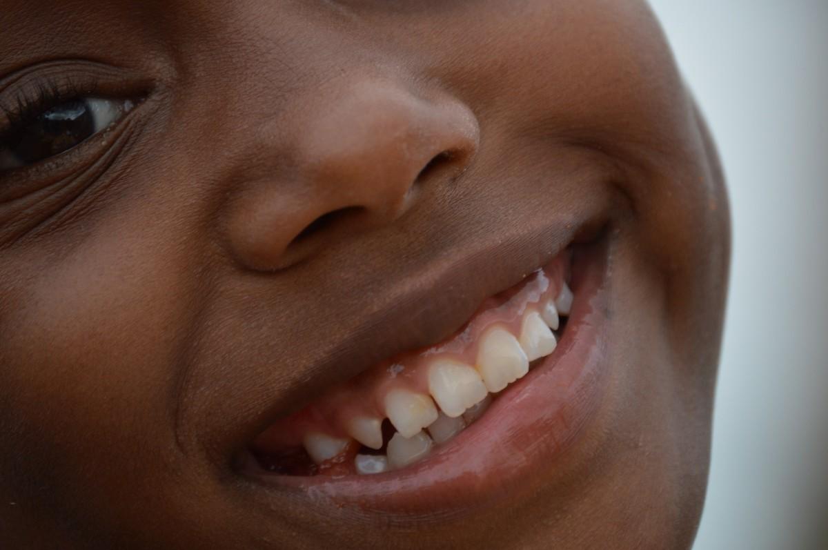 Images gratuites enfant expression faciale sourire - Oreille bouchee piscine ...