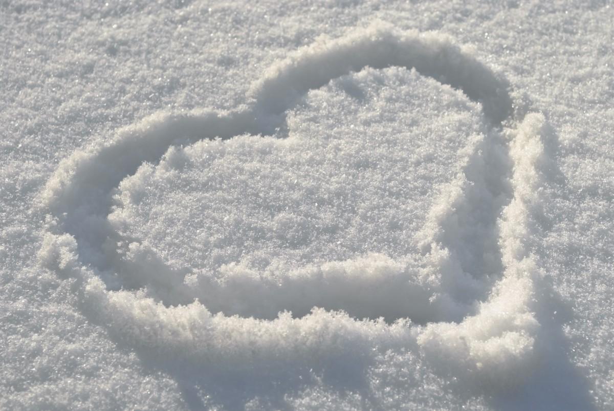 любимые картинки на снегу украсить