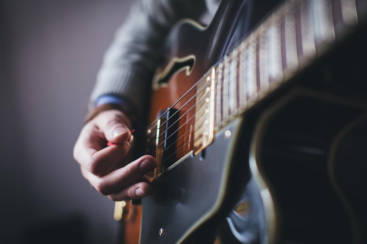 Foto pemain gitar terhebat 18