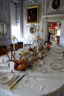 gambar : meja, restoran, dekorasi, toko, ruang keluarga