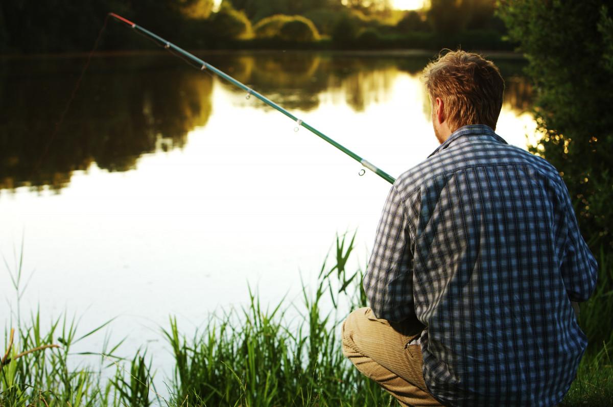 Картинка мужик на рыбалке