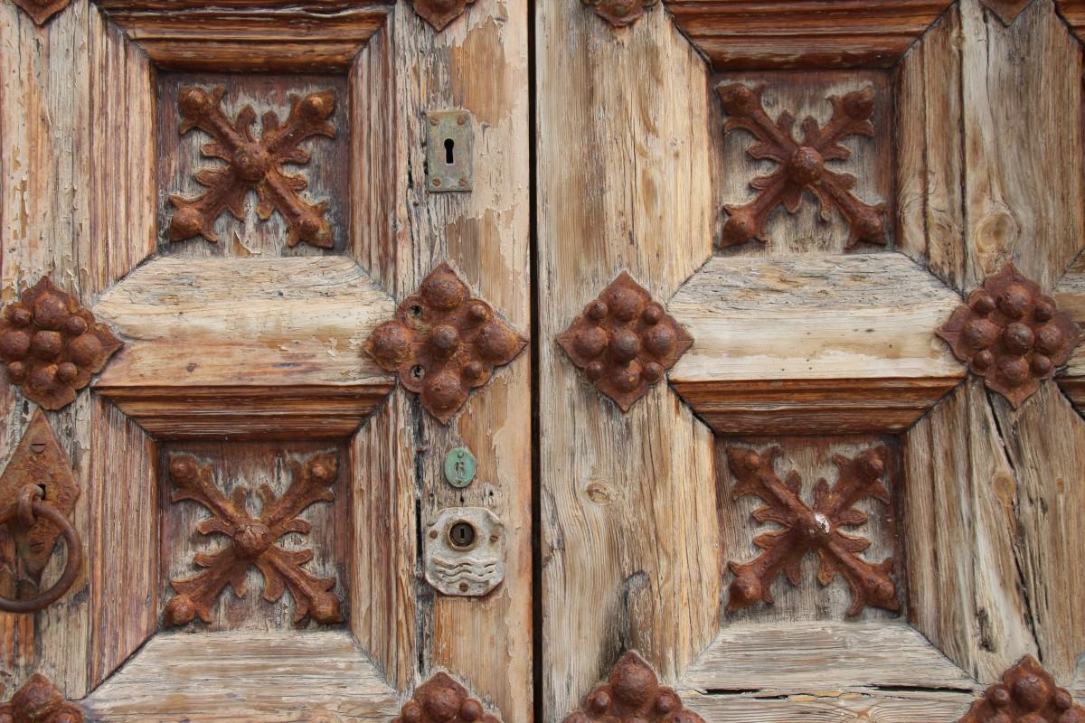 Shao Jun, o som do silêncio Old_door_door_gate_lock_access-601650