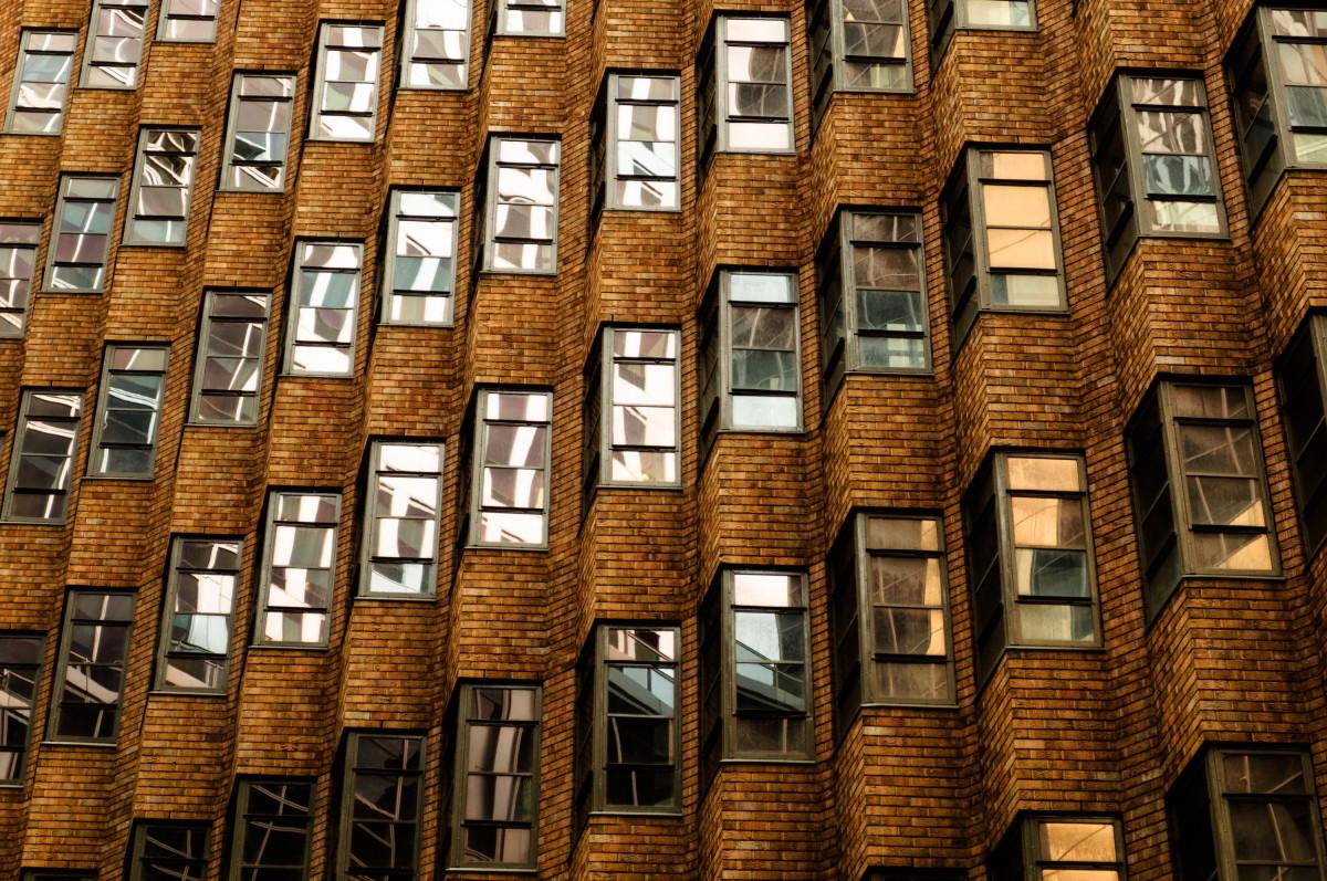 картинки окон в зданиях том, что