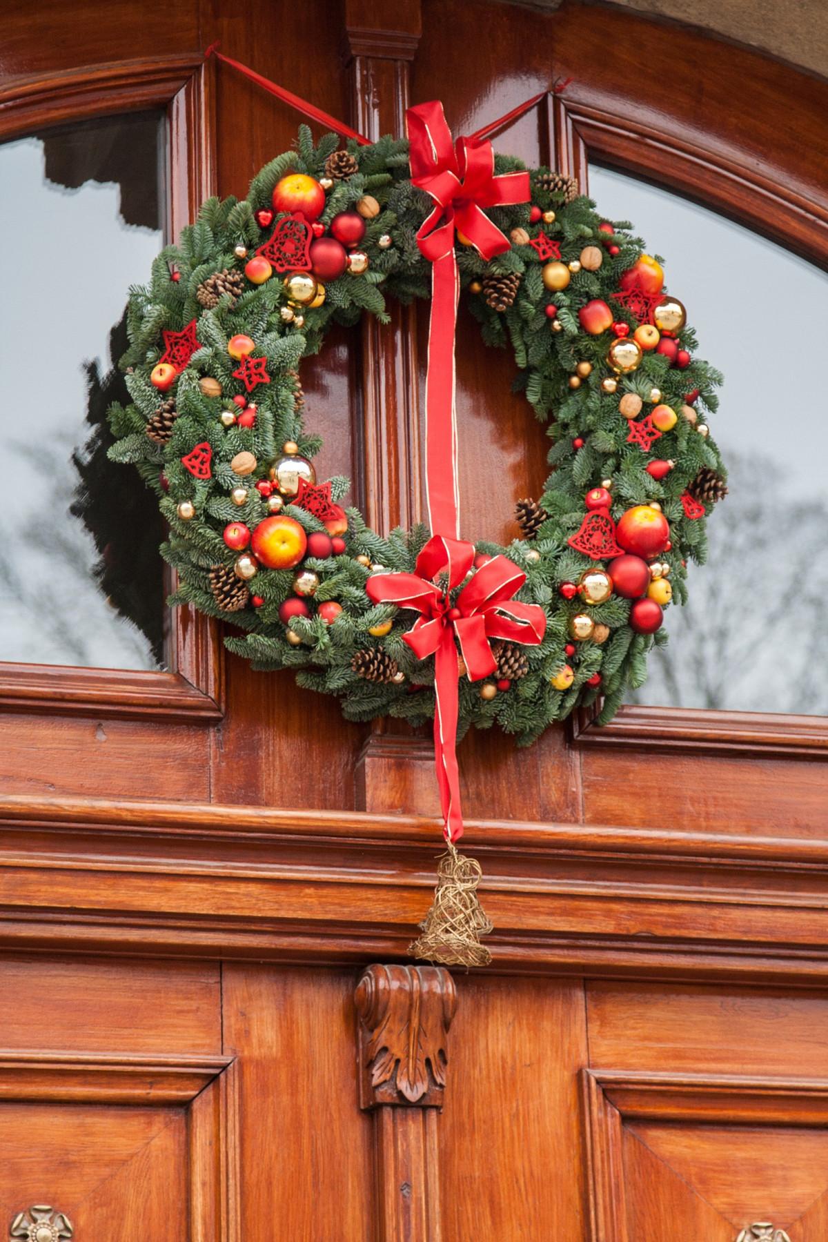 Images gratuites groupe chorale mat riel ornement for Decoration porte rouge