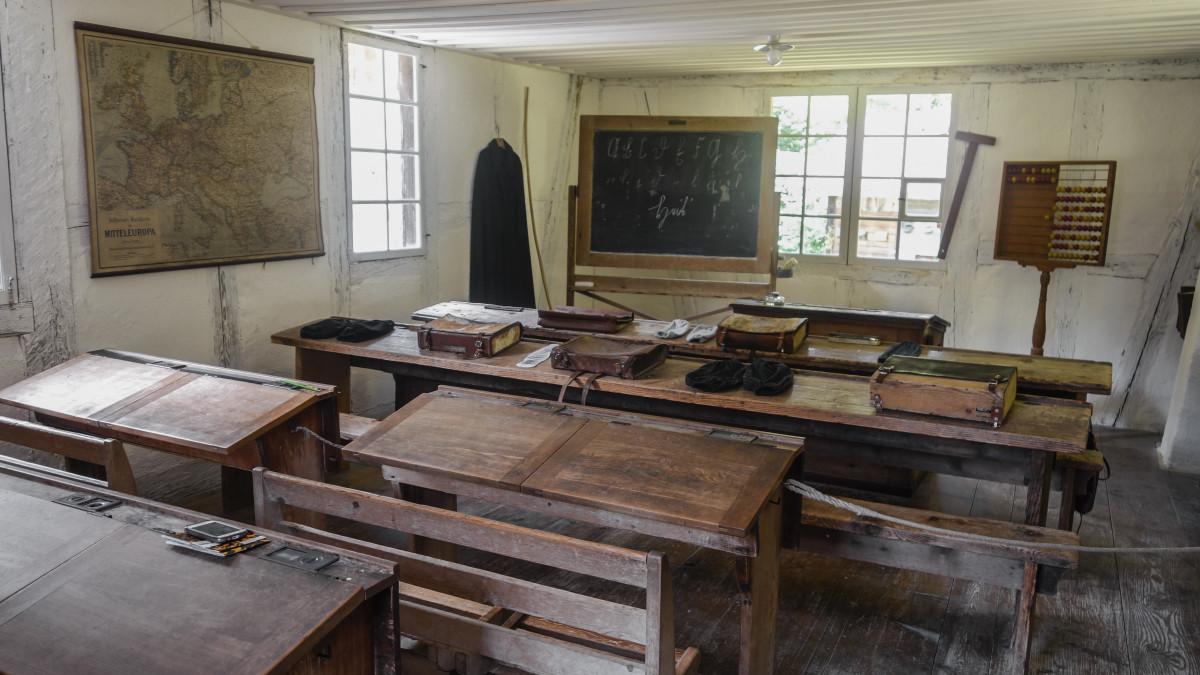 Gratis afbeeldingen eigendom onderwijs klas interieur for Interieur opleiding