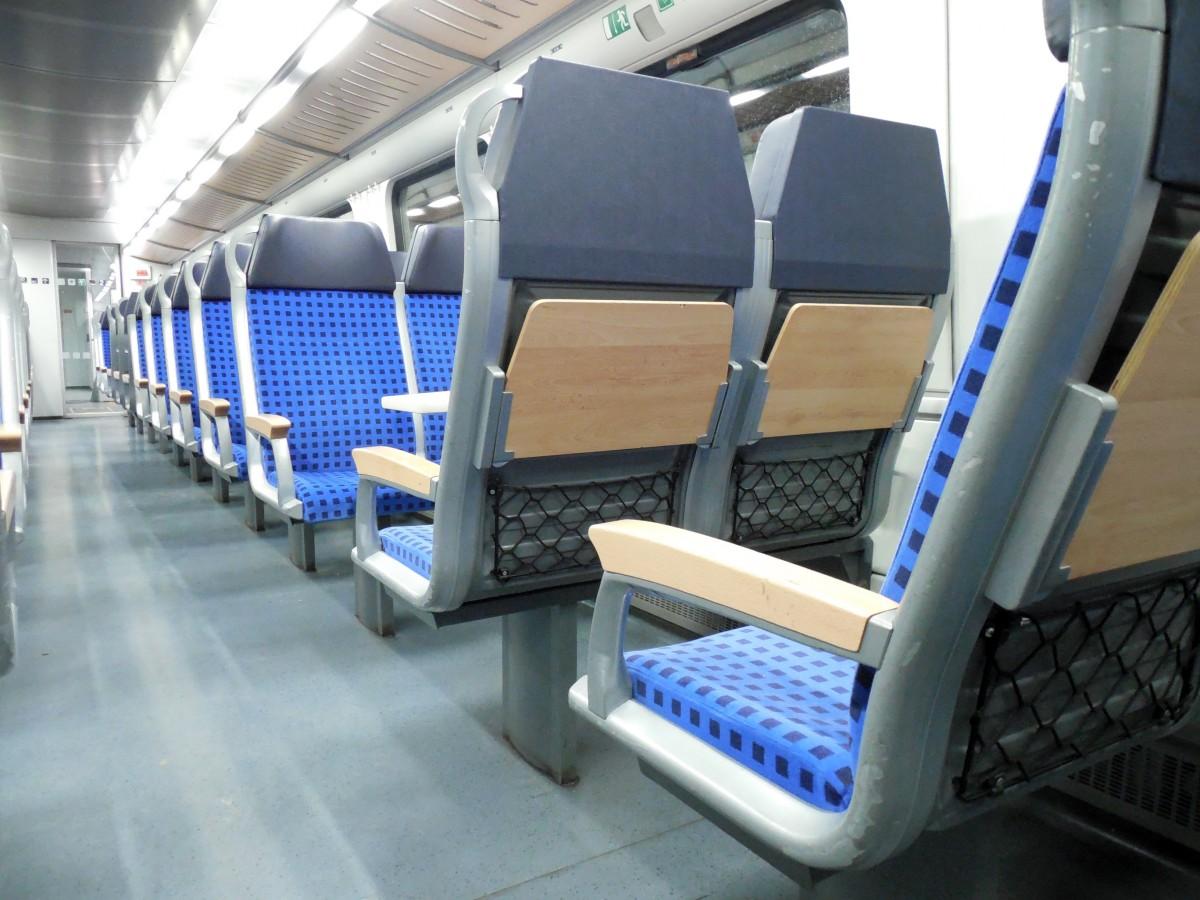 images gratuites structure voiture van train voyage v hicule sortie vide chambre gym. Black Bedroom Furniture Sets. Home Design Ideas