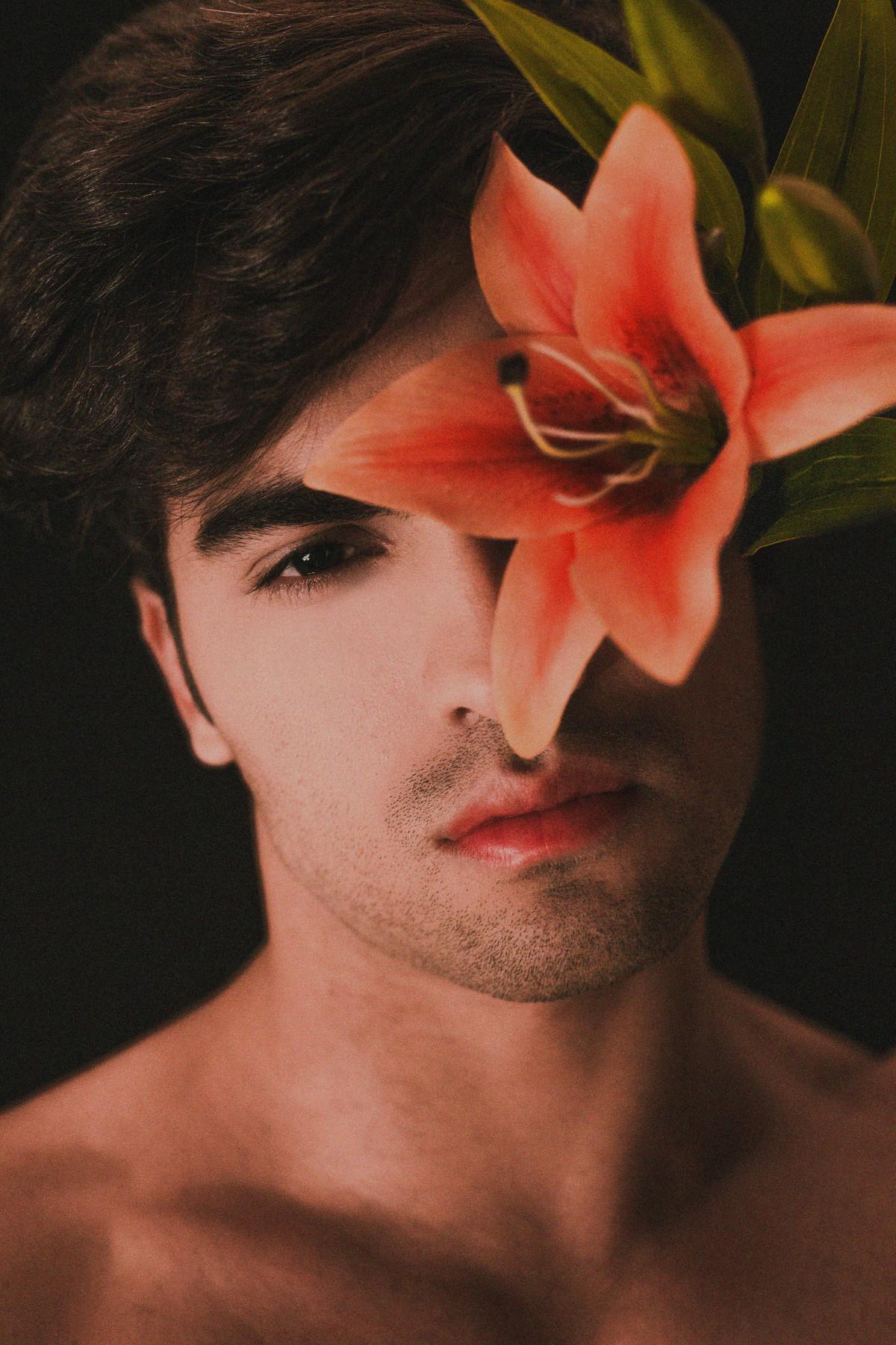 Картинки картинки, картинки красивые парни с цветами
