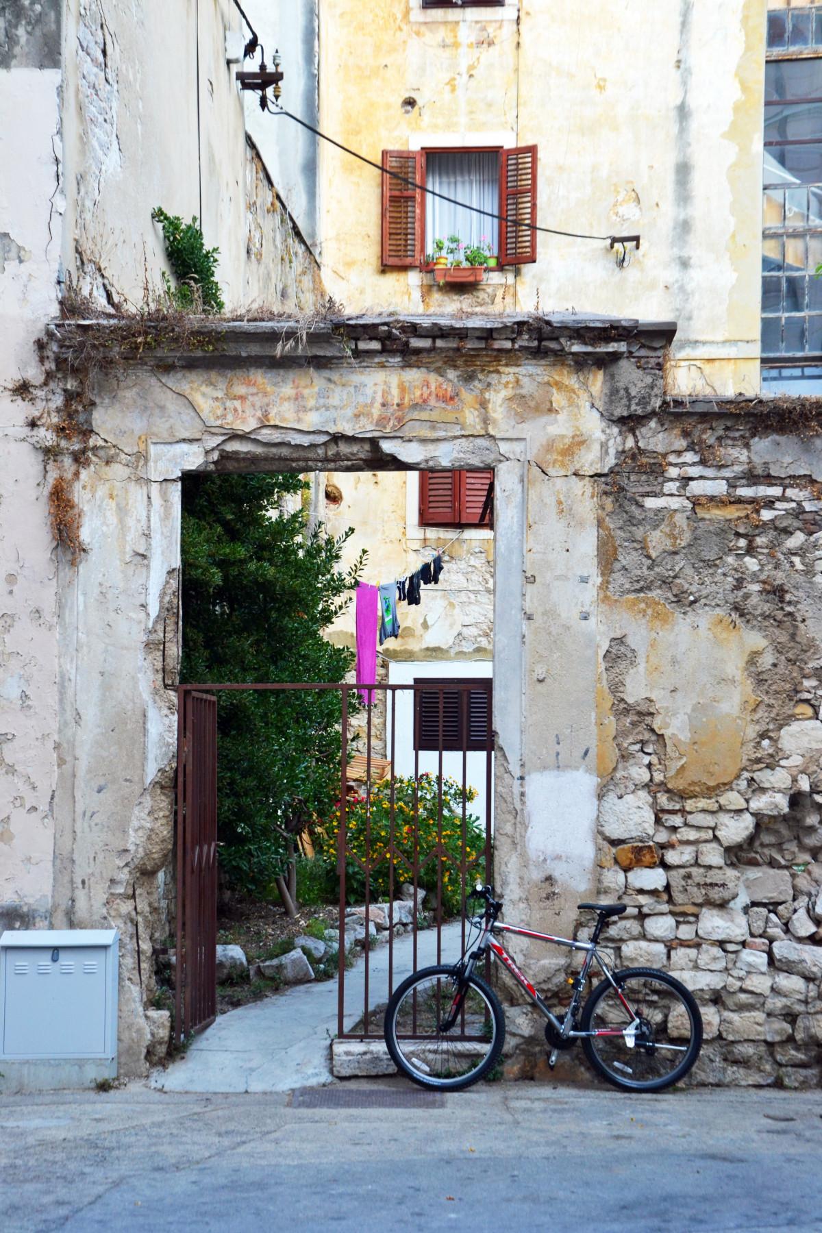 Images gratuites route rue fen tre v lo bicyclette for Fenetre urbaine