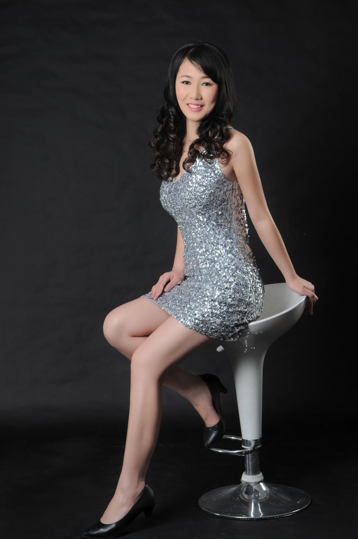 Asian models black bra, car insertion porn