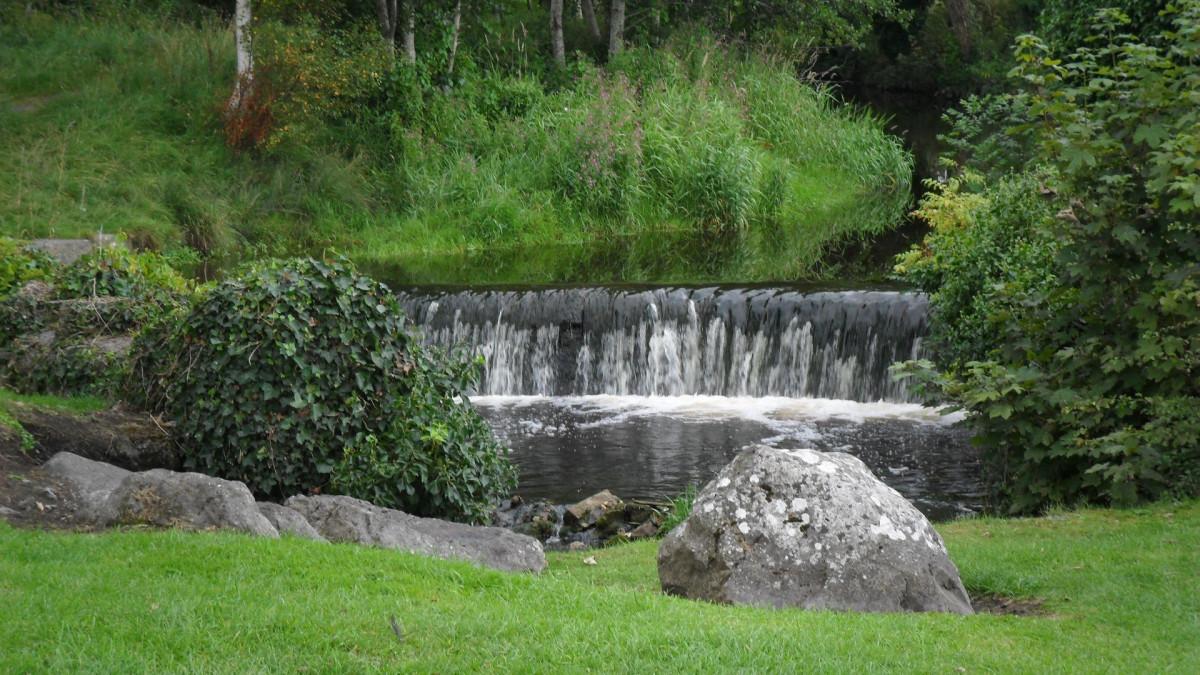 Fotos gratis paisaje naturaleza cascada estanque for Estanque de jardin con cascada