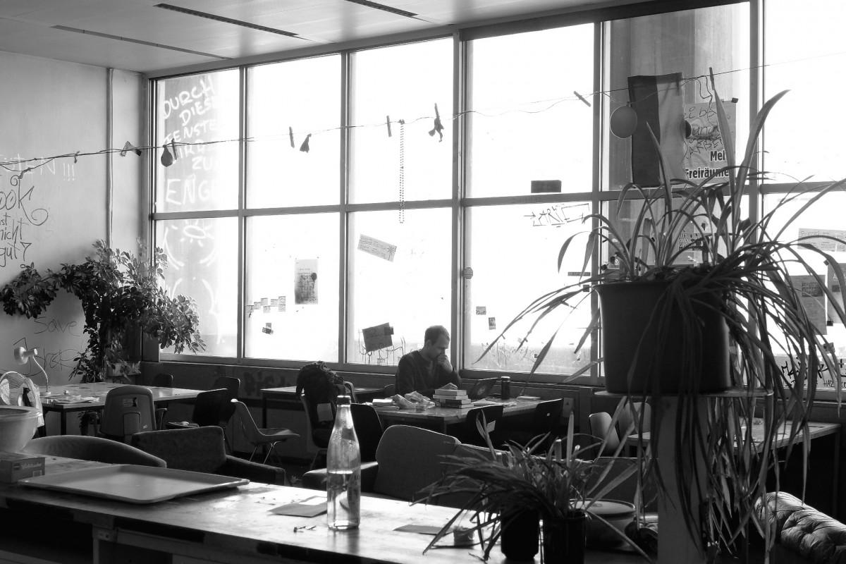 Fotos gratis en blanco y negro ventana casa for Universidades para diseno de interiores