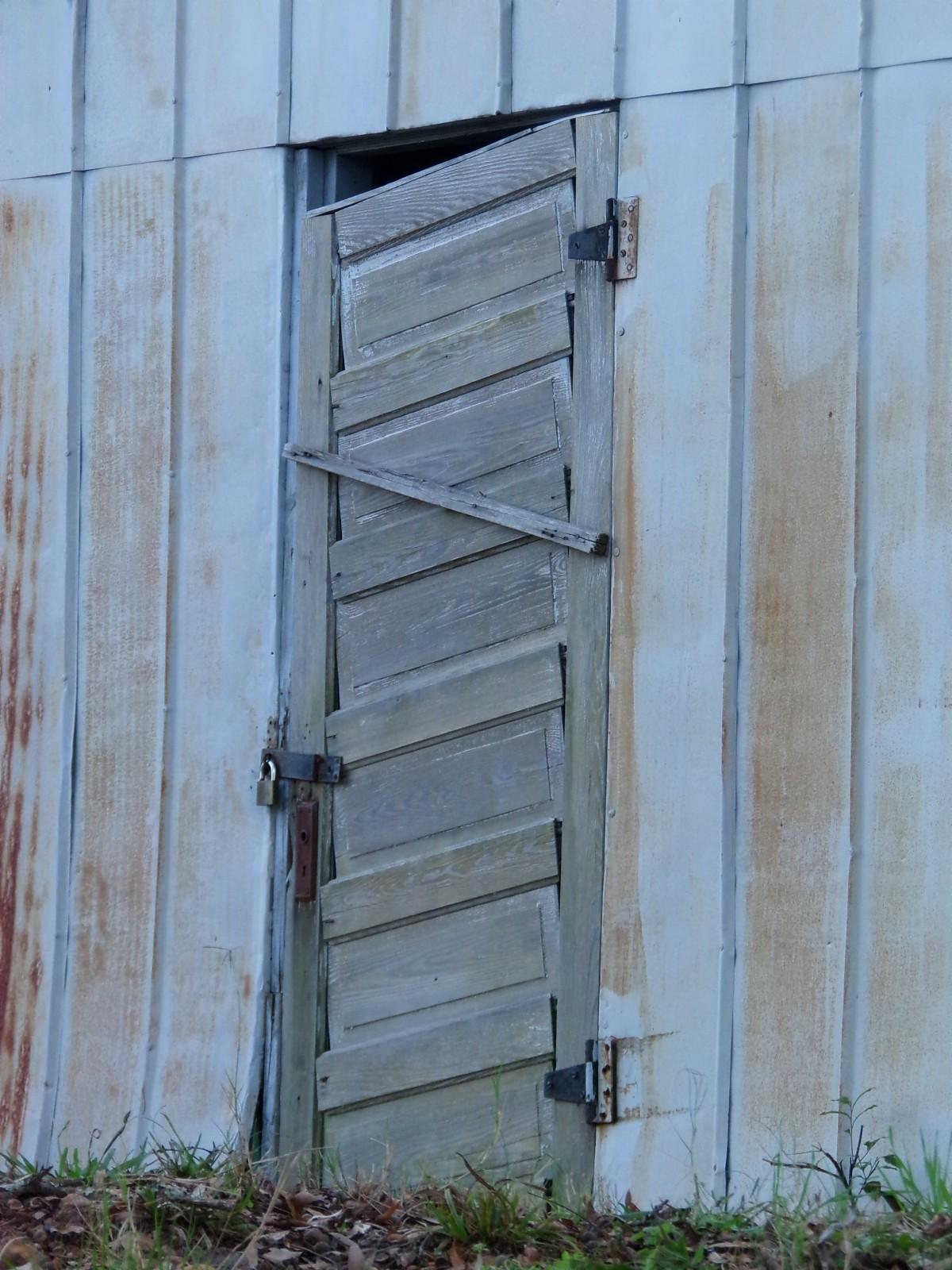 porte en bois extérieur jardin