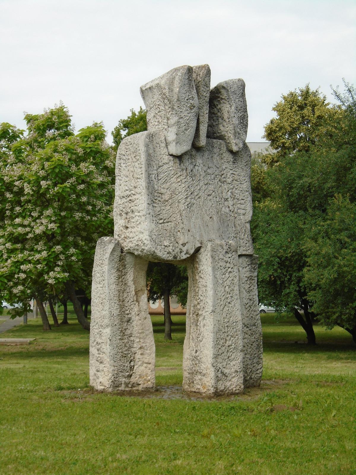 images gratuites roche paris monument france statue carr parc objet tourisme lieux d. Black Bedroom Furniture Sets. Home Design Ideas