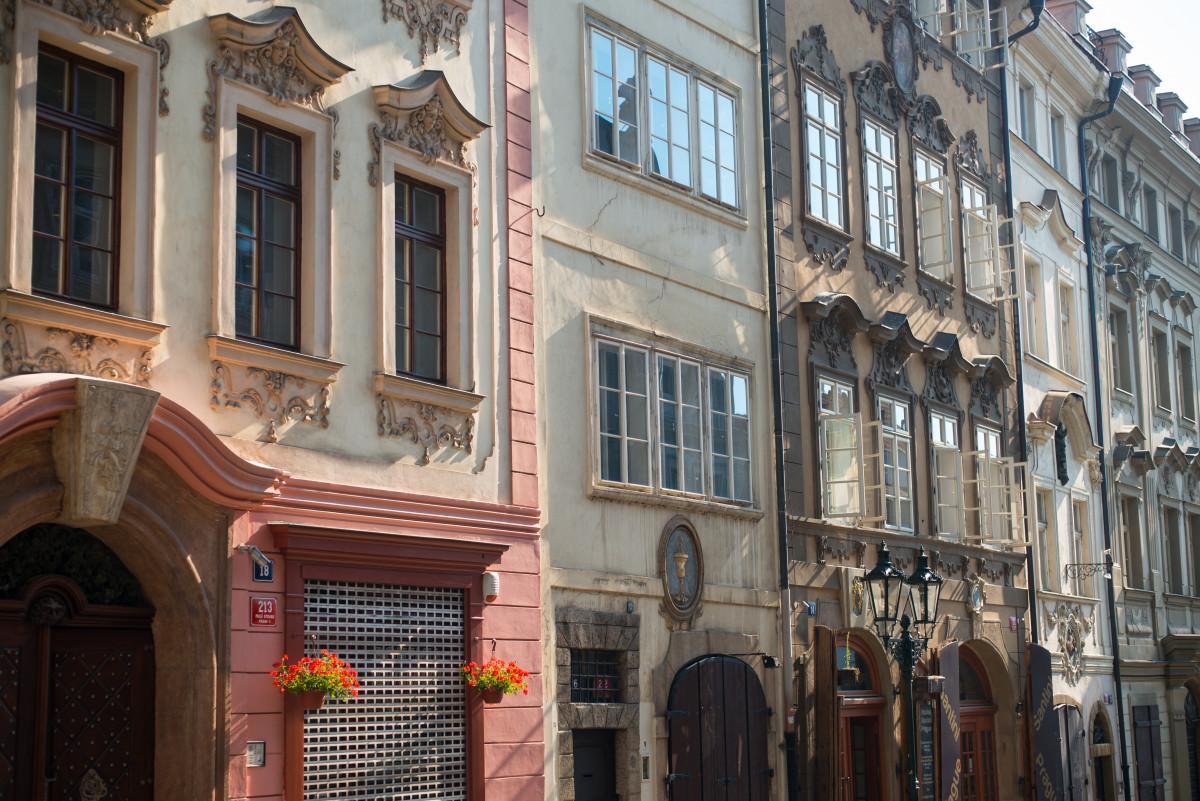 Gratis afbeeldingen open zon herenhuis huis ochtend stoel huis zomer reizen europa - Huis interieur architectuur ...