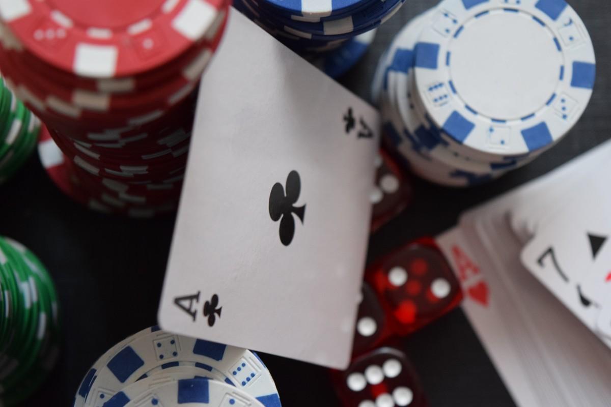 Blackjack Dealer Tells
