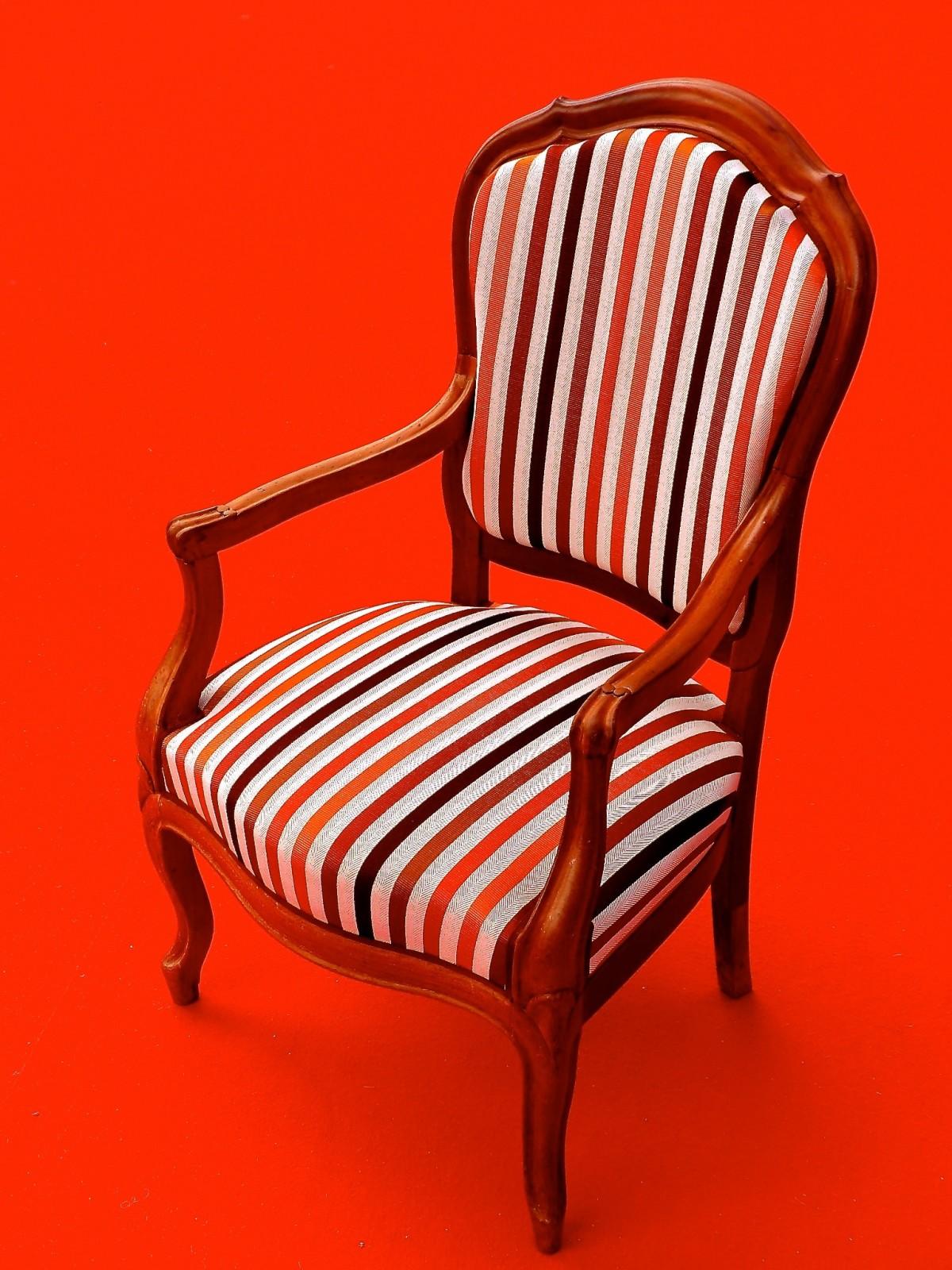 покажи картинки стульев