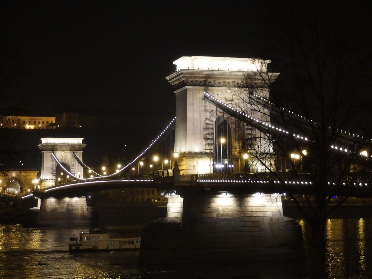 landscape water winter light black and white architecture & Free Images : light architecture bridge night city river ... azcodes.com