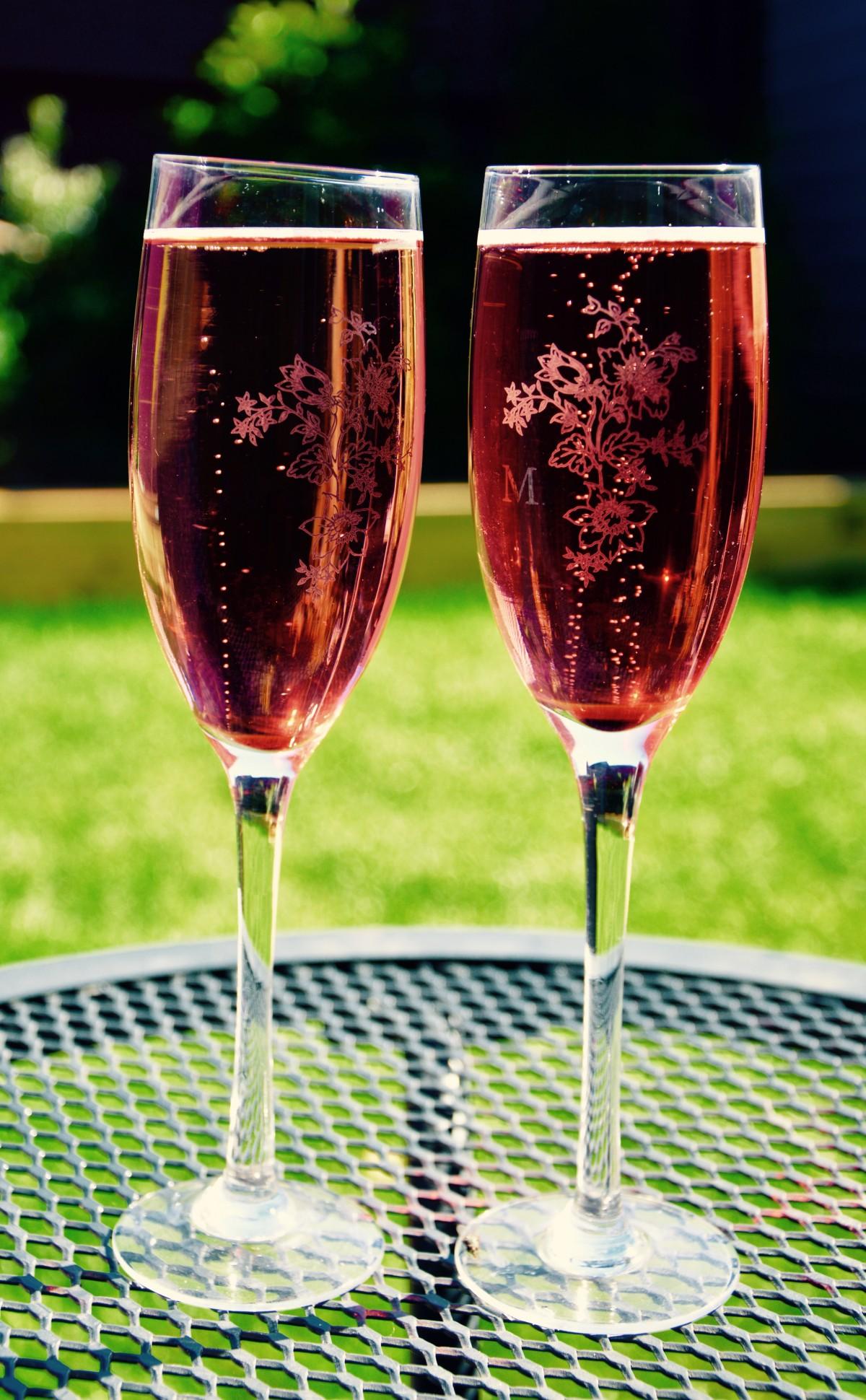 был картинка бокал с розовым вином крыму