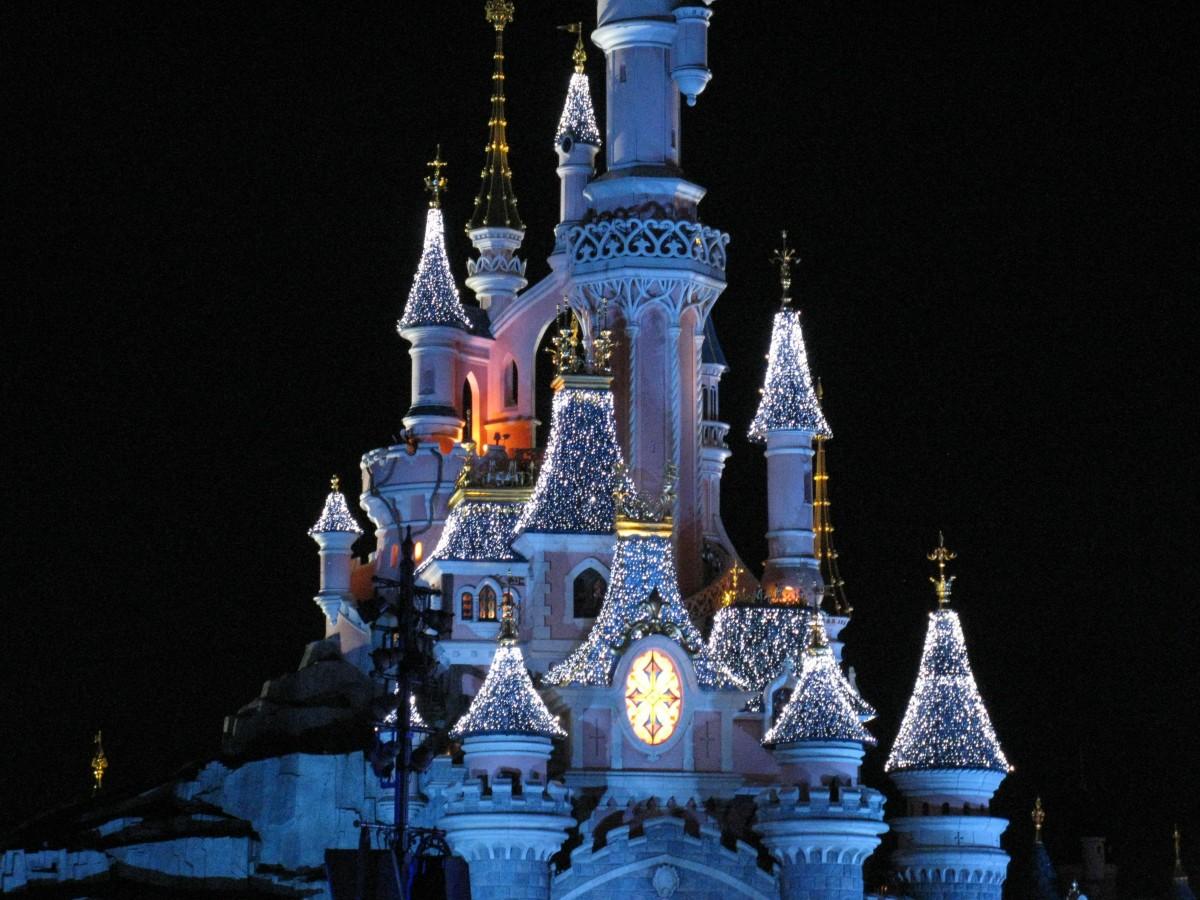 night amusement park tower park castle landmark world disney resort metropolis disneyland paris disney land walt disney world disney castle magic castle disneyland france