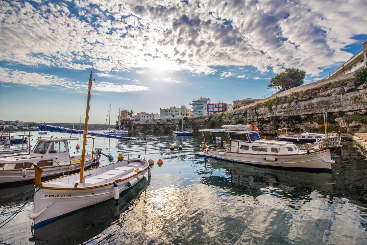Meer, Küste, Wasser, Natur, Dock, Boot, Ferien, Reise, Fahrzeug, Bucht, Hafen, Yachthafen, Hafen, Wasserweg, Spanien, Boote, Landschaften, Wasserfahrzeug, Menorca