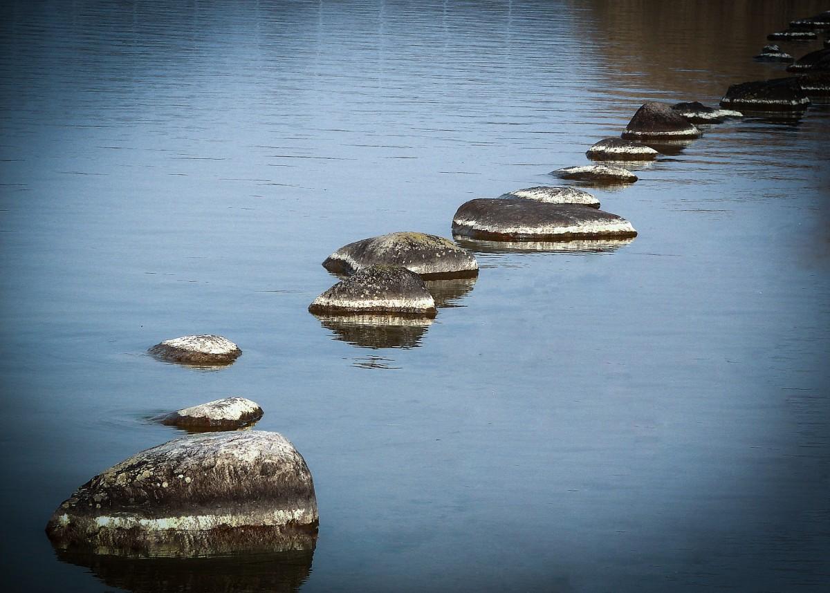 картинка море камень лодка приметы сконструировать