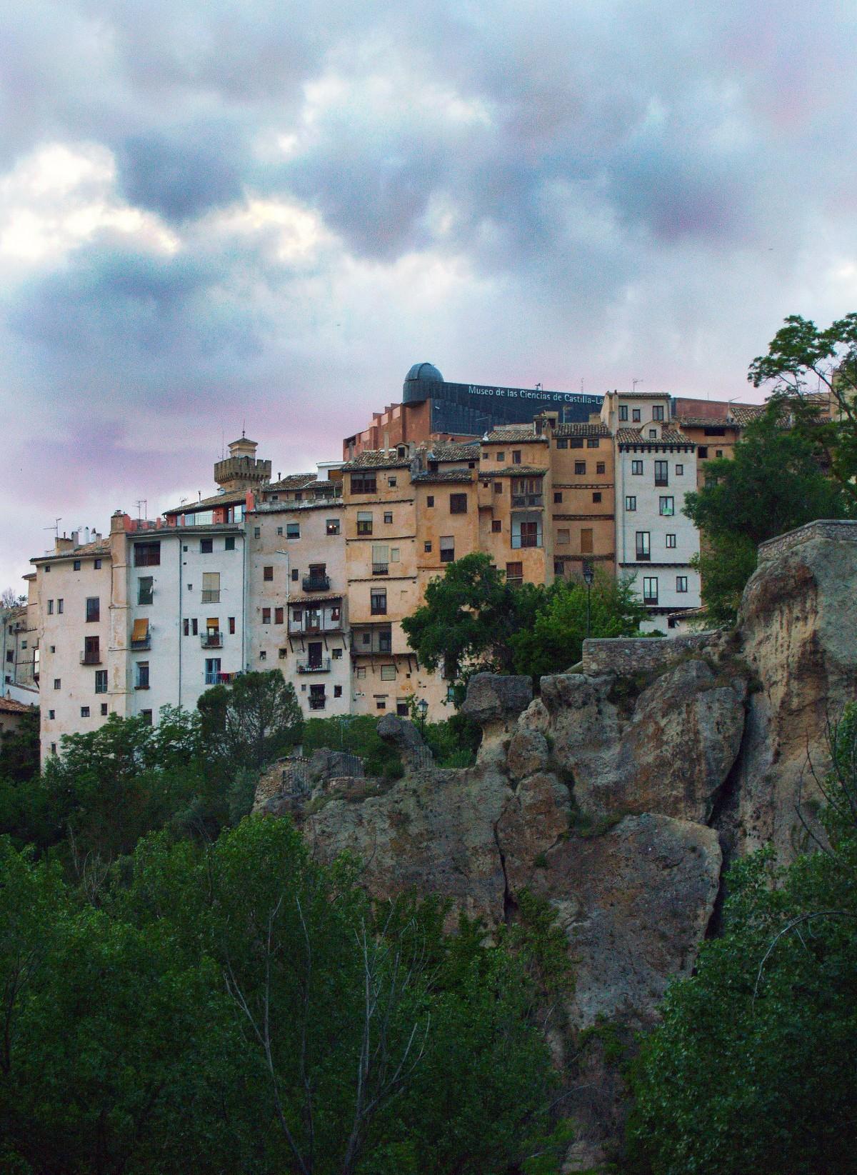 Fotos gratis puente noche pueblo paisaje urbano crep sculo m stico reflexi n castillo - Pueblos de espana que ofrecen casa y trabajo 2017 ...