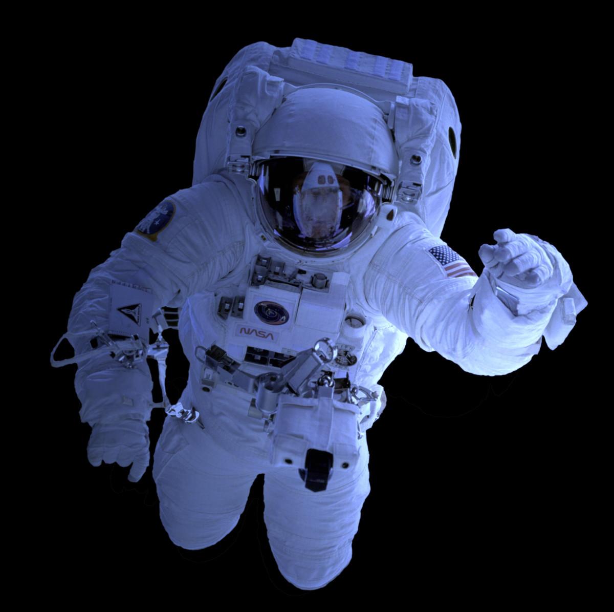 astronaut in spaceship - photo #24