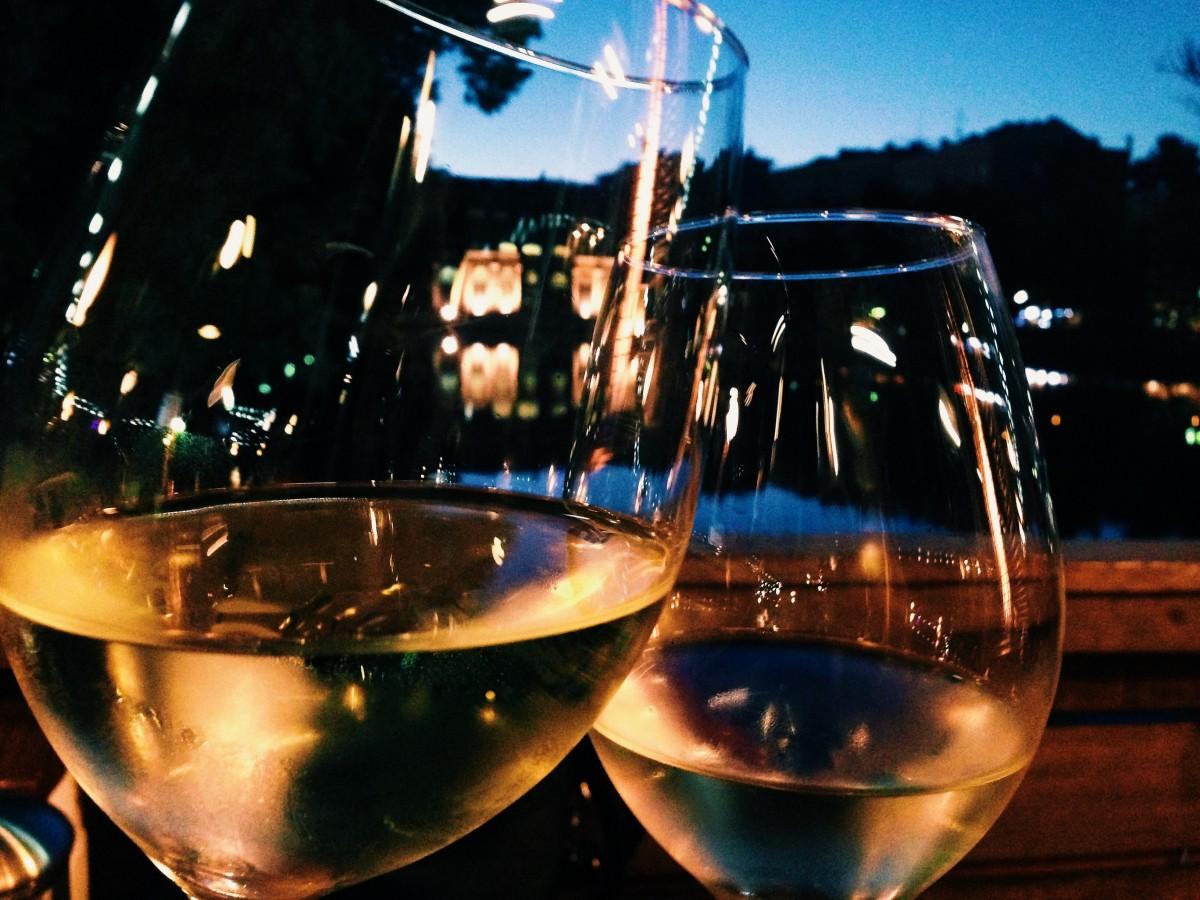 начать красивые картинки вино вечером целом, они