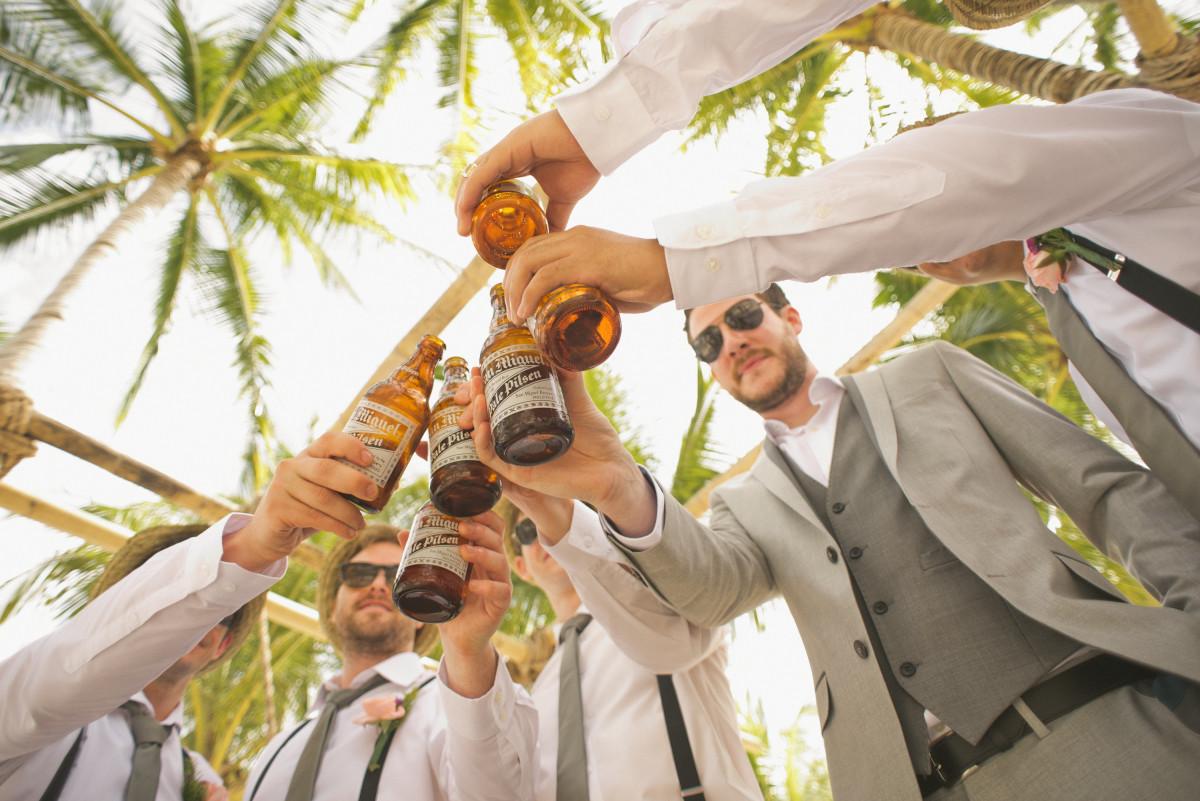 человек человек лето Свадьба Жених пиво Церемония