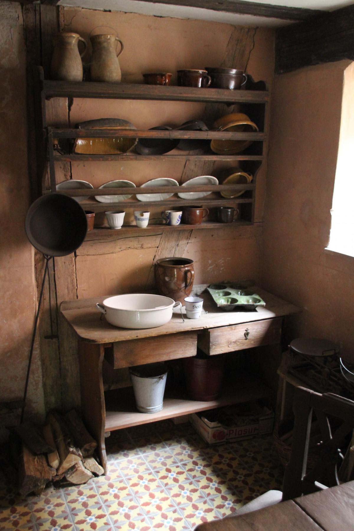 무료 이미지 : 표, 목재, 고대 미술, 늙은, 시골집, 부엌, 거실 ...