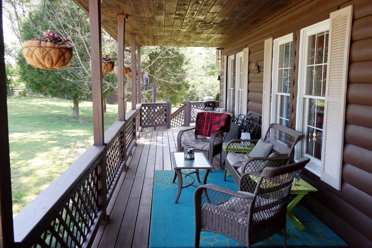 Free images deck villa mansion home summer cottage backyard property room interior - Porches de casas de campo ...