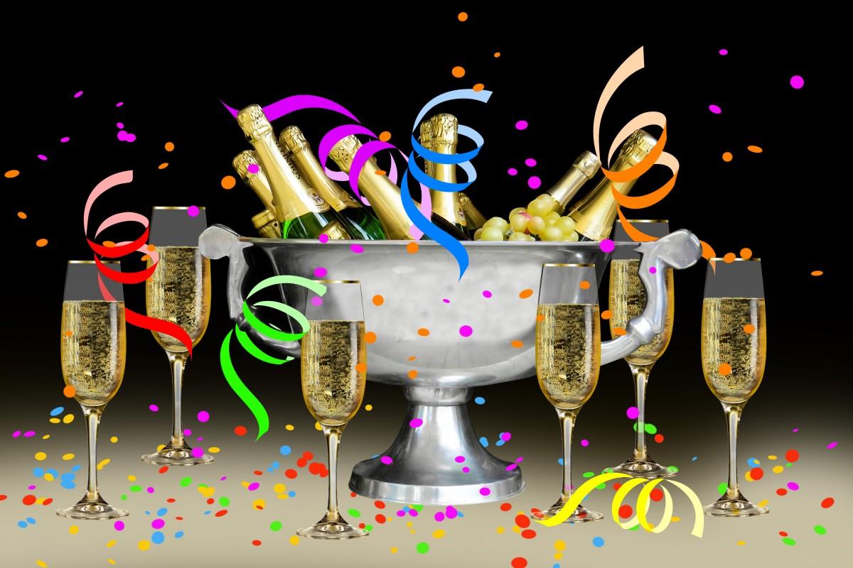 Открытка марта, открытки ко дню рождения шампанского
