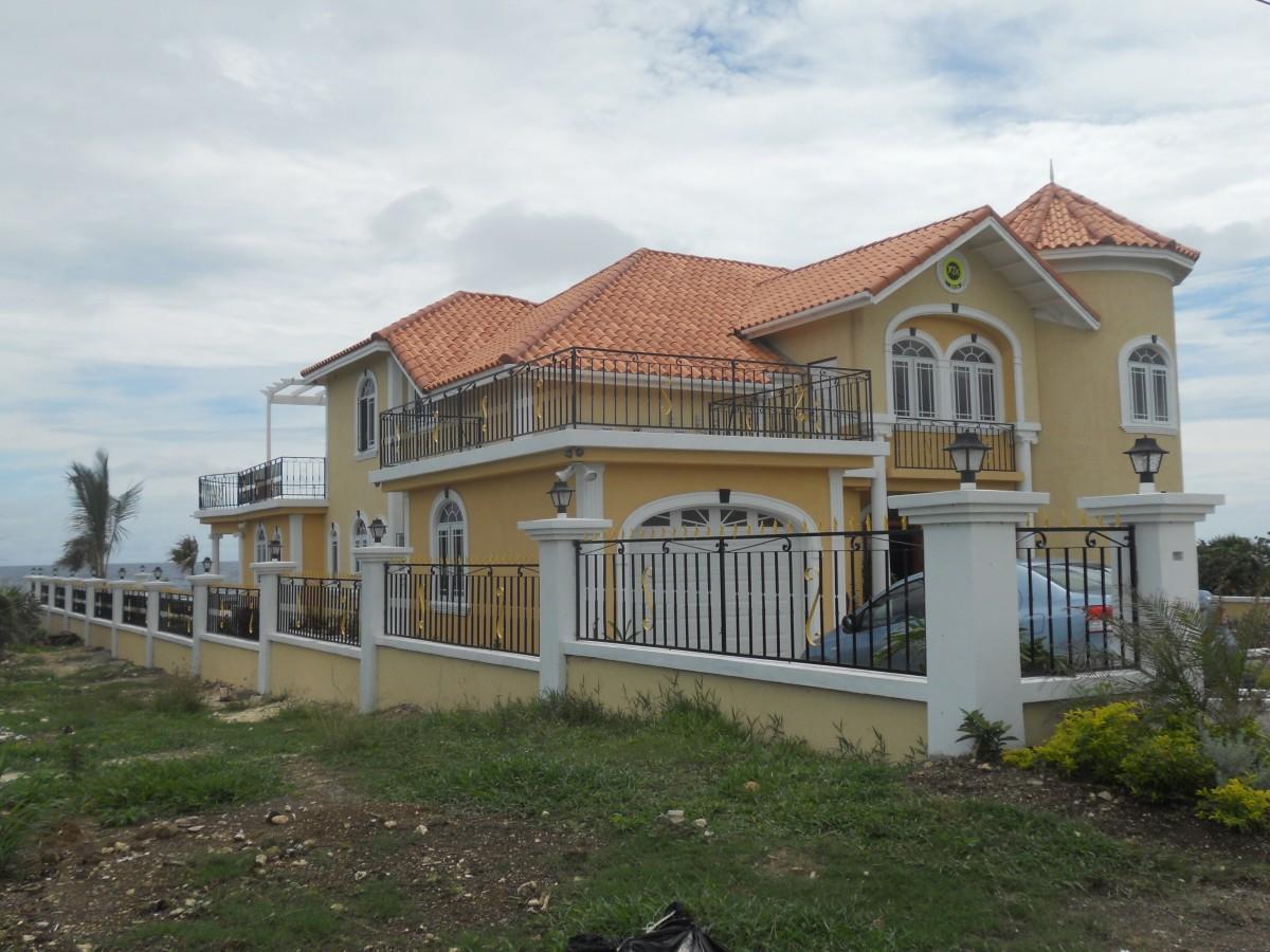 Images gratuites architecture villa manoir toit b timent vivre banlieue chalet fa ade - Villa de reve pineapple jamaique ...