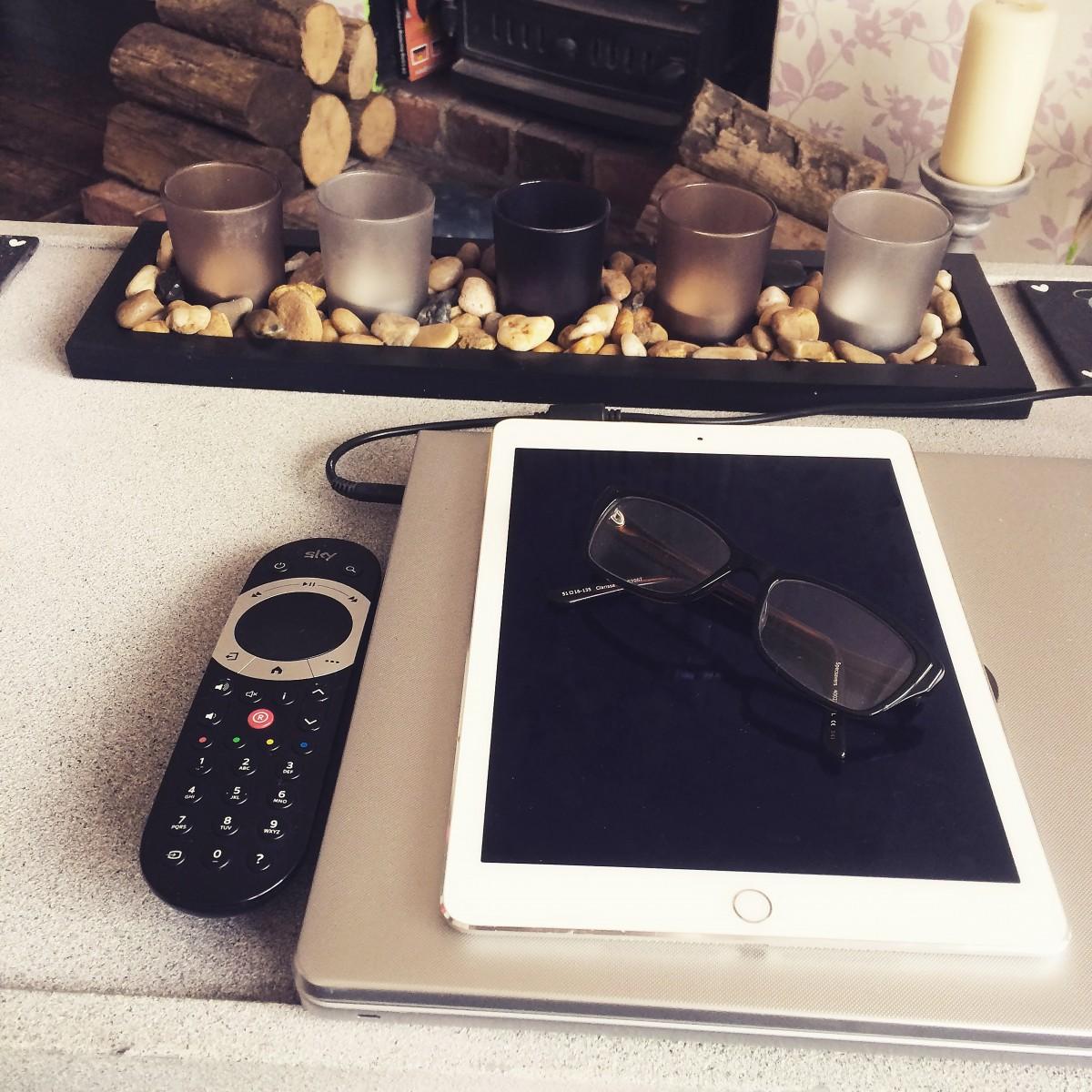 Fotos gratis escritorio escritura trabajando mesa for Estudiar diseno de interiores online gratis