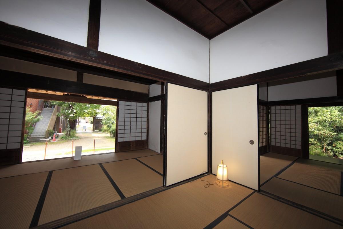 Gratis billeder : arkitektur, hus, etage, interiør, hjem, loft, høj ...