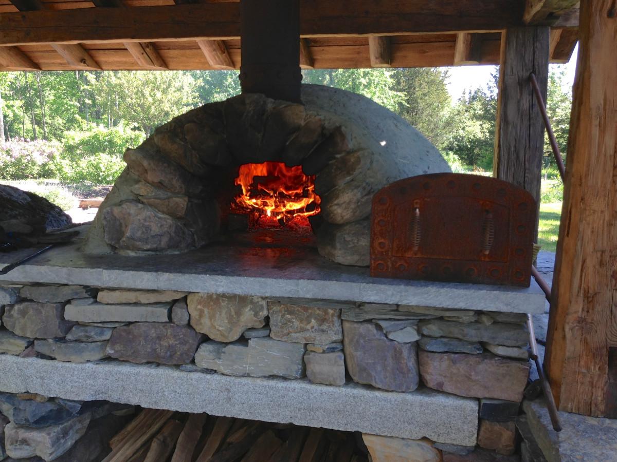 Fotos gratis madera caba a patio interior chimenea for Barbacoa patio interior