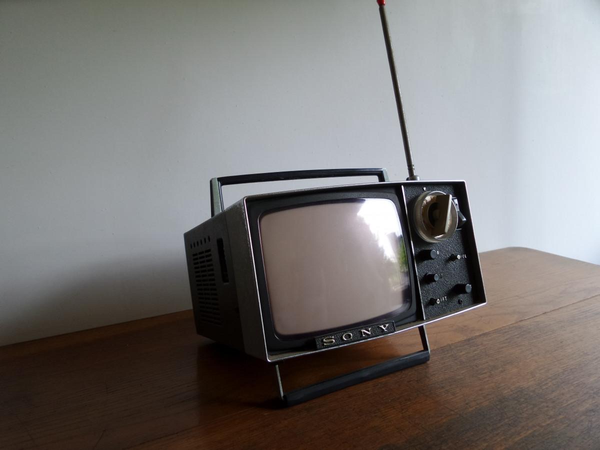 Fotos gratis tecnolog a vendimia iluminaci n producto - Television pequena plana ...
