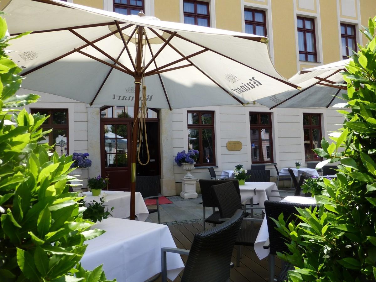 table chaise restaurant