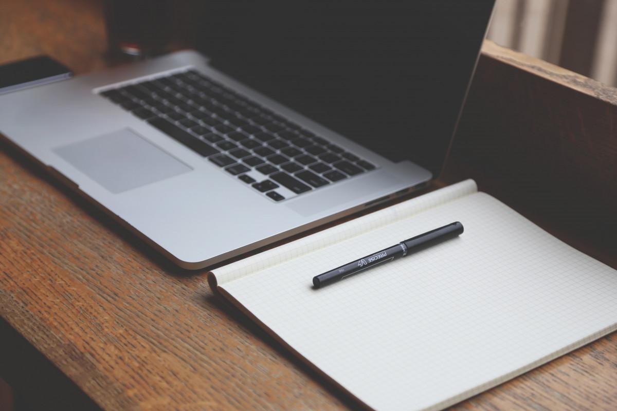 Notebooku počítač psaní tvořivý technika kancelář obchodní moderní domácí kancelář startup Zobrazit plán dokument multimédia společnost notebooky notebooky osobní počítač nastartovat elektronické zařízení počítačový hardware Silicon Valley