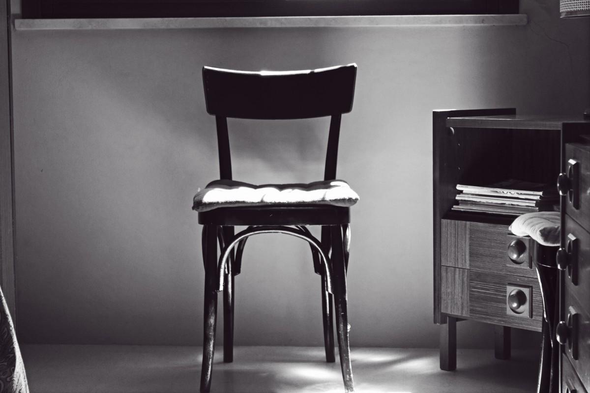 Gratis afbeeldingen bureau tafel zwart en wit stoel