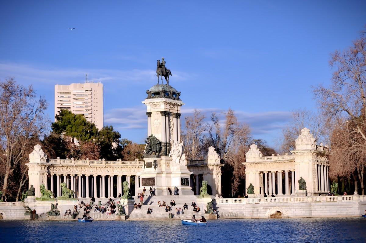 Fotos gratis castillo palacio monumento parque punto for Estanque reflectante