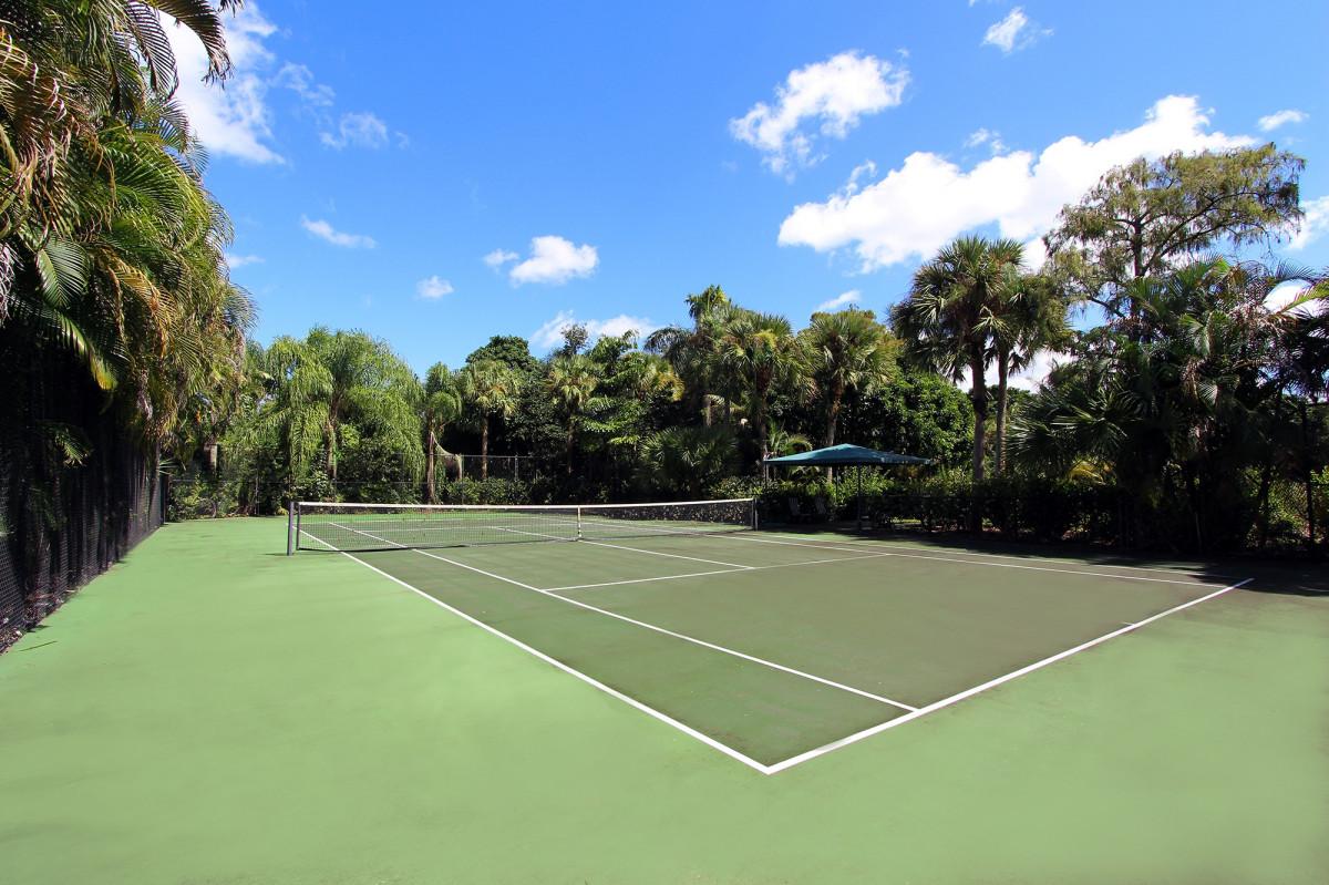 grass, structure, lawn, home, tennis court, golf course, tennis, sports, court, estate, for sale parkland, residential area, sport venue