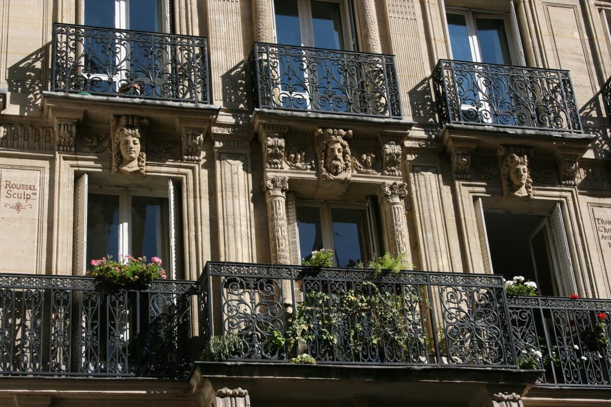 images gratuites architecture fen tre paris centre ville balcon fa ade les fen tres. Black Bedroom Furniture Sets. Home Design Ideas