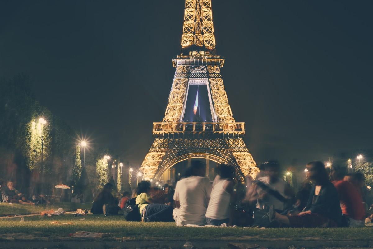 одна в париже без ящыка