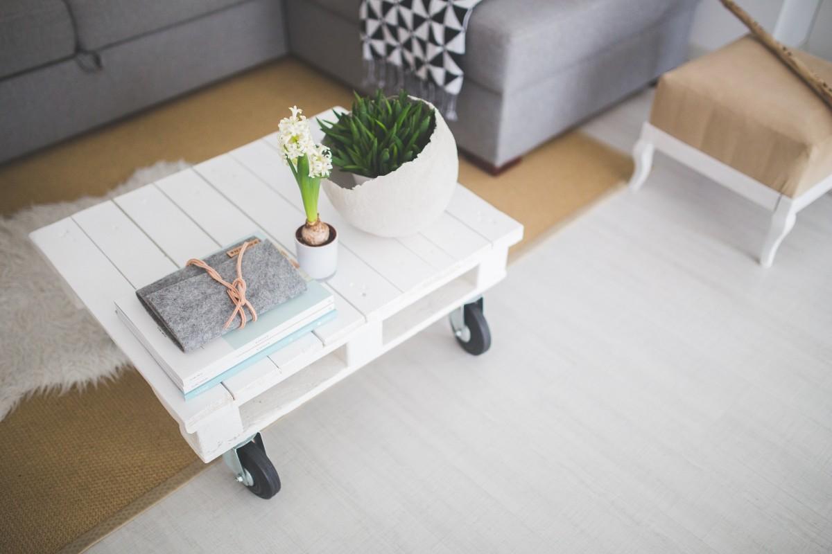 bureau table bois blanc sol intérieur maison salon meubles chambre mode de vie décor canapé table basse produit conception lit scandinave sol Canapé studio Industial