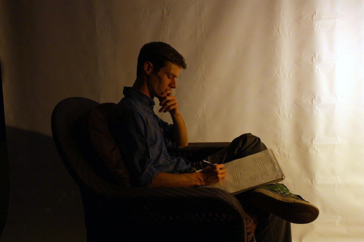 Fotos gratis : hombre, libro, persona, leyendo, masculino ...