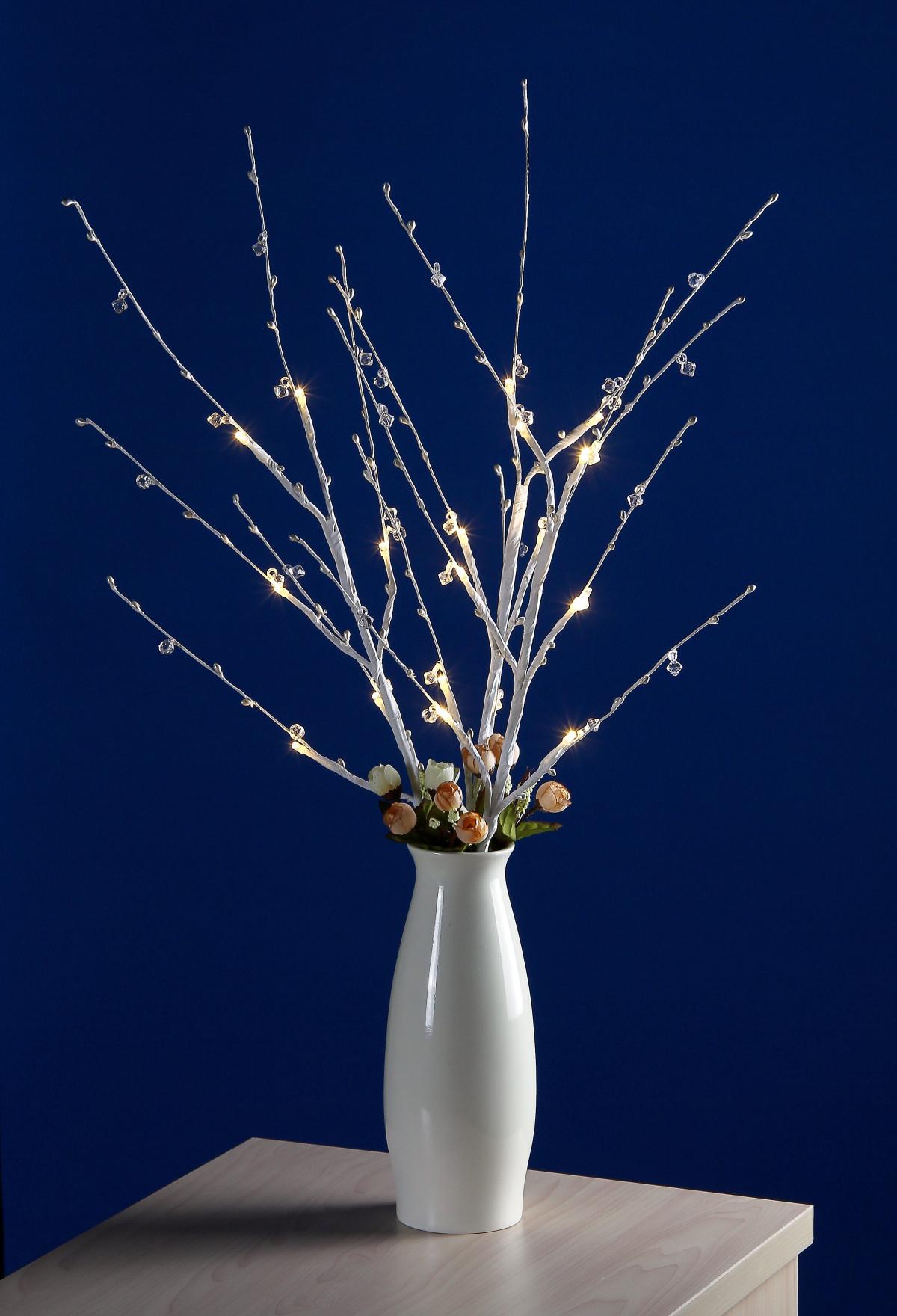 Mraz-zamrznuto u vremenu! - Page 6 Led_lights_led_flower_ornaments_led_closeup_flower_close_up_crystal_flower-985377