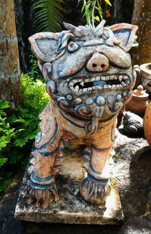 Fotos gratis : rock, madera, estatua, cerámico, material, escultura, art, tallado, fuente de ...