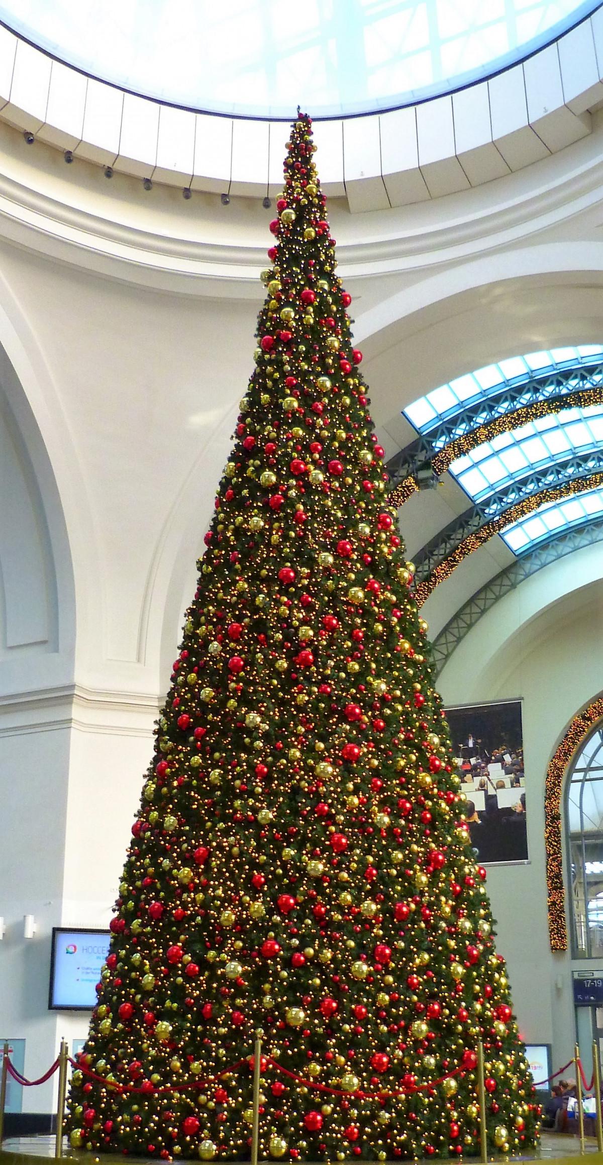 Fotos gratis dorado rojo fiesta rbol de navidad - Arbol navidad dorado ...